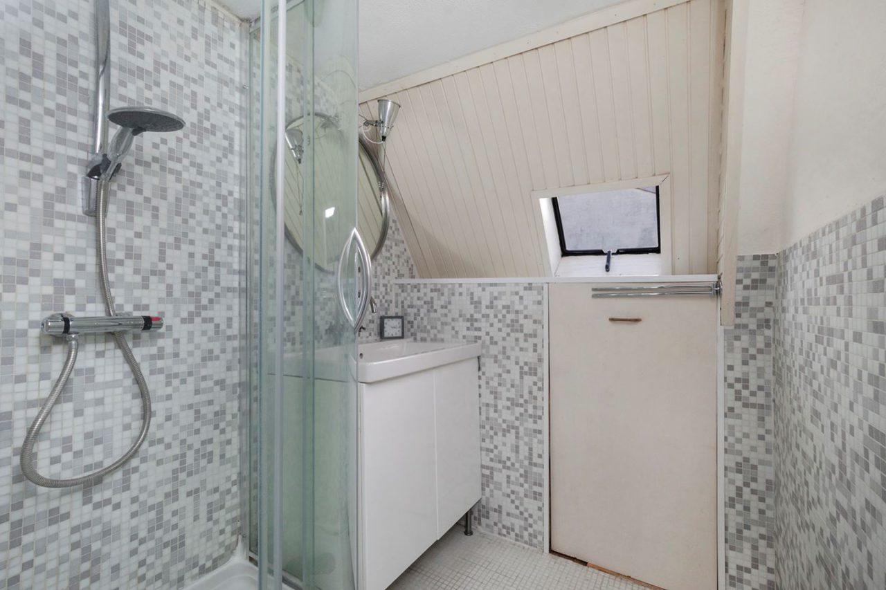 Oude badkamer. Leek heel wat, was het niet.