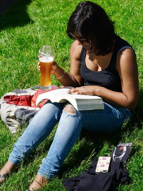 boek lezen in de zon