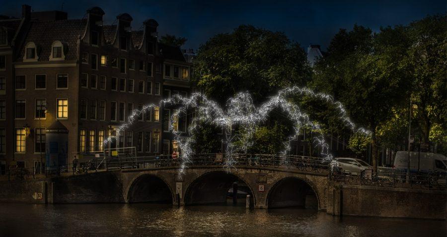 amsterdam light festival kunstwerk 2018 spinnen