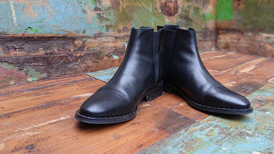 chelsea boots middenaanzicht