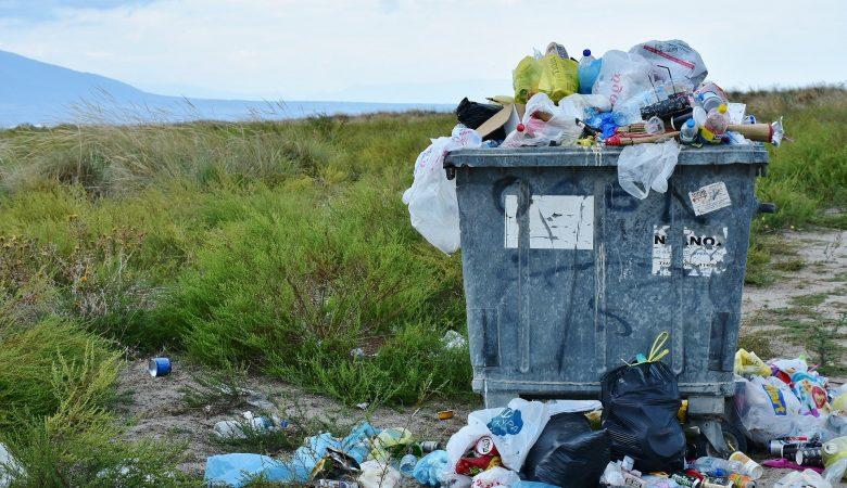 vuilnis dat niet in de container past